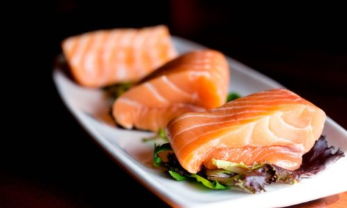 VINUM salmon-on-plate