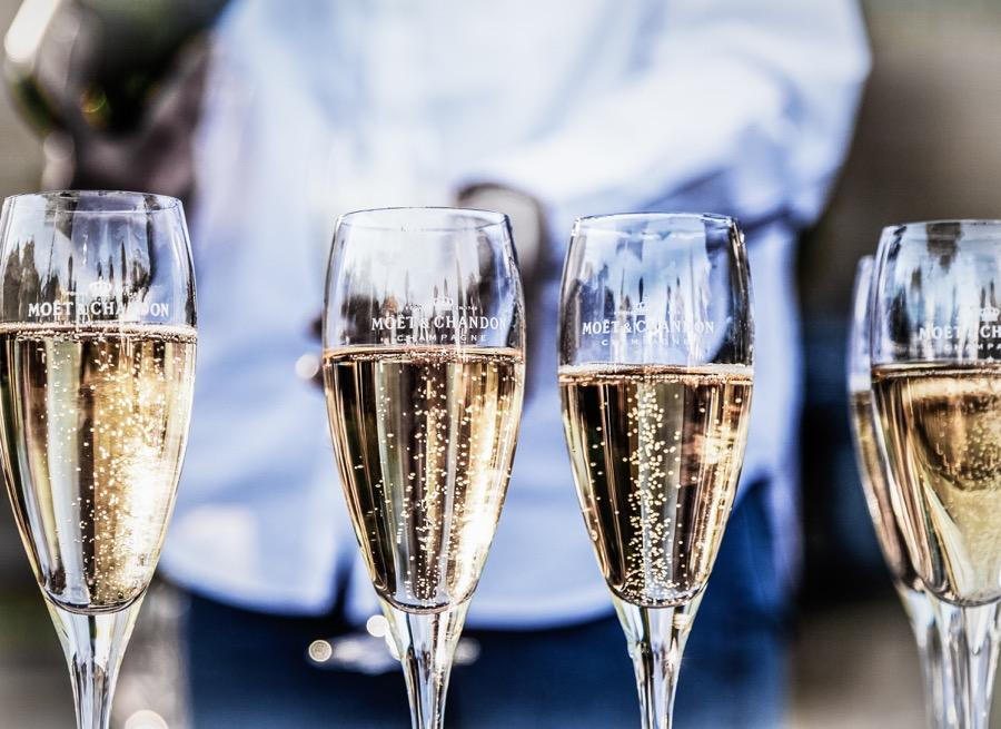 Moe-champagne-glasses
